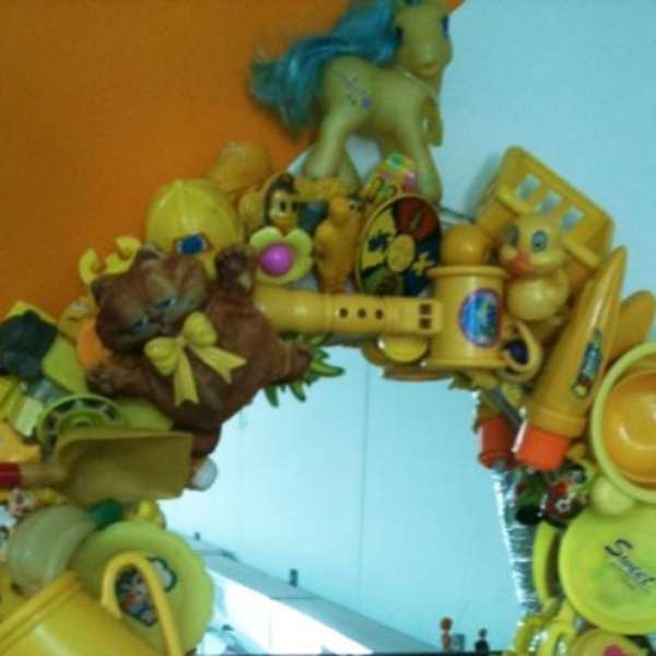 Espejos infantiles con marcos curiosos for Espejos infantiles