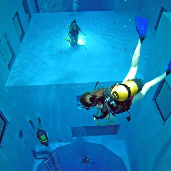 Nemo 33 es la piscina m s profunda del mundo for Piscine uccle