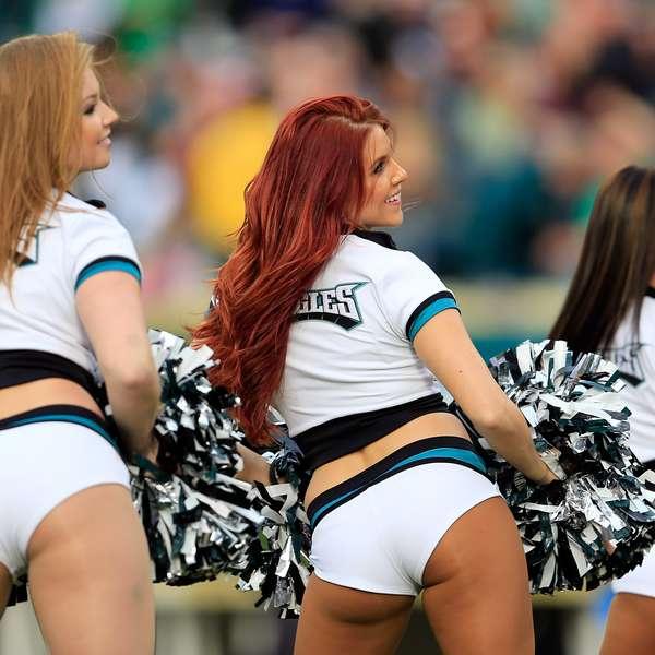 Nfl Cheerleader Wardrobe Malfunction Oops Sharon Stone