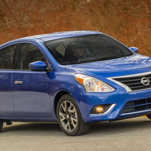 nissan versa sedan 2015. Black Bedroom Furniture Sets. Home Design Ideas