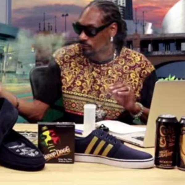 snoop dogg hace resumen de  u0026quot game of thrones u0026quot  fumando marihuana