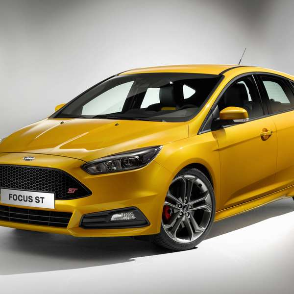 ford focus st ter 250 cv e ser feito em 2015. Black Bedroom Furniture Sets. Home Design Ideas