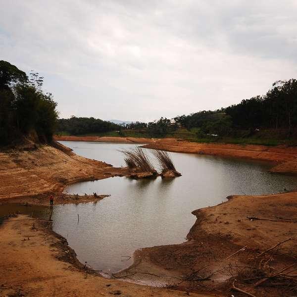 Sistema Cantareira mantém mesmo nível pelo 4º dia em SP - Terra Brasil