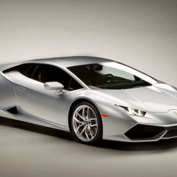 todo sobre el lamborghini huracan 2015. Black Bedroom Furniture Sets. Home Design Ideas