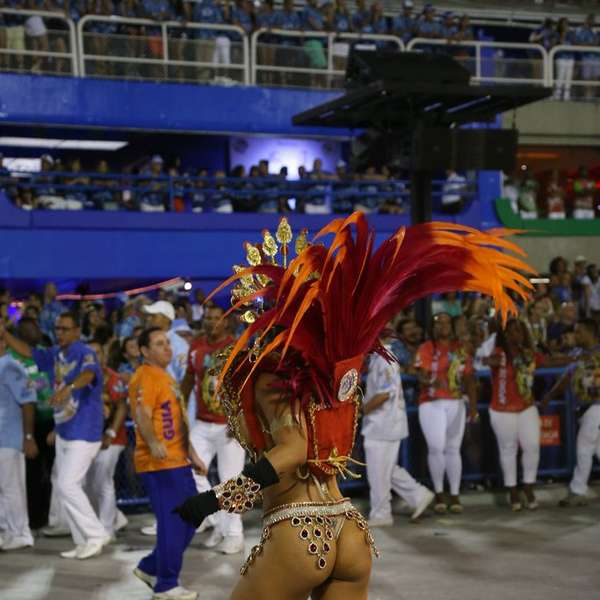 sexo no carnaval videos de sexo portugues