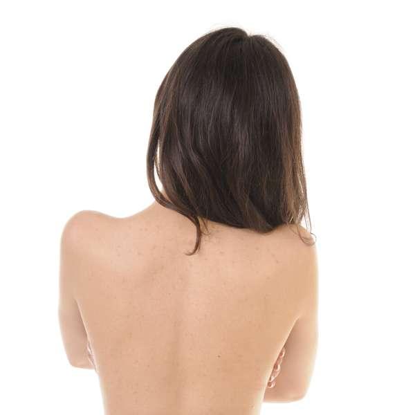 El reumatismo de la columna vertebral los síntomas y el tratamiento por los medios públicos