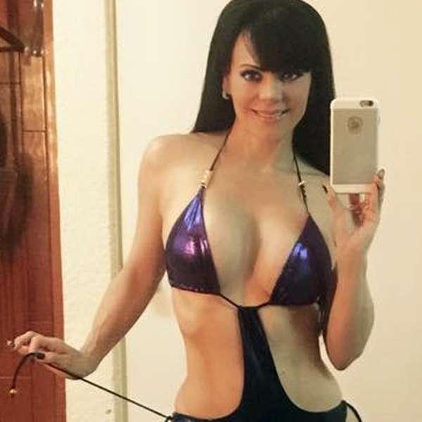FOTO: Maribel Guardia pregunta: ¿debe o no debe comprar este bikini?
