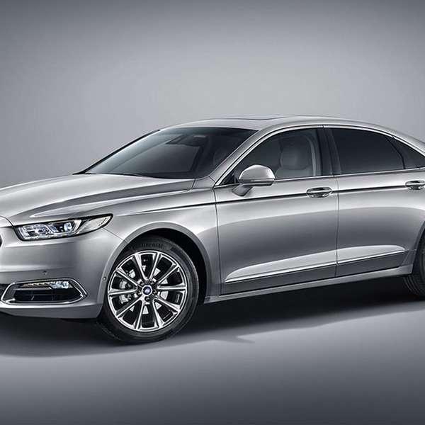 2015 Ford Taurus Se: Salón De Shanghái, China: Ford Taurus 2016
