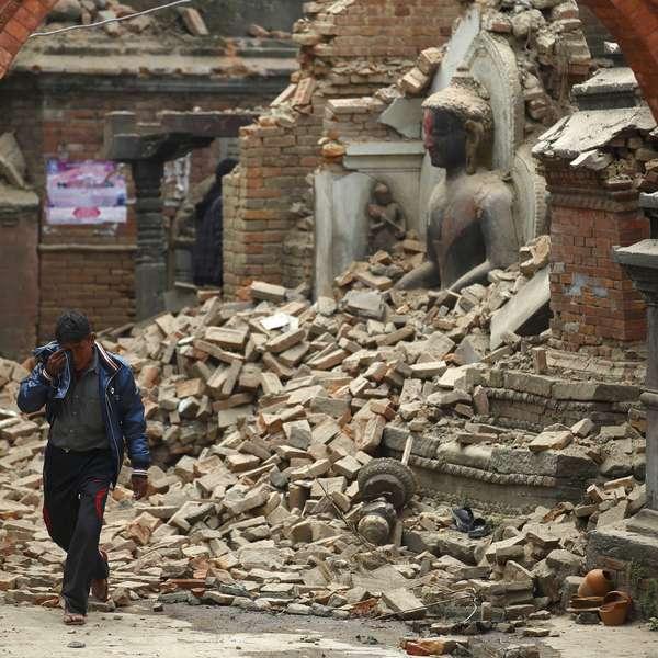 Destrucción impide saber situación de zona de epicentro de terremoto de Nepal