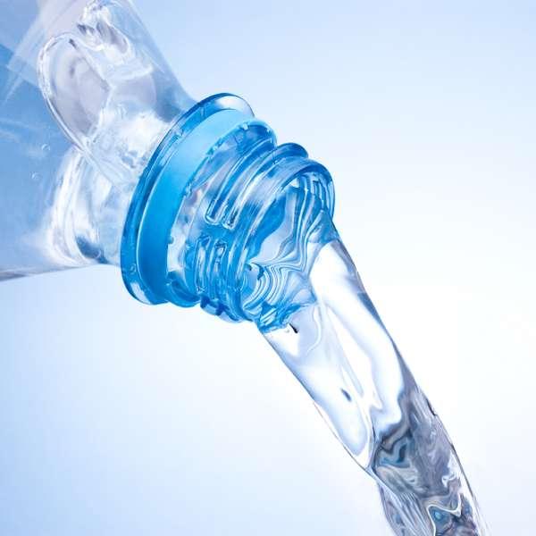 Las revocaciones sobre los plásticos del pecho en omske