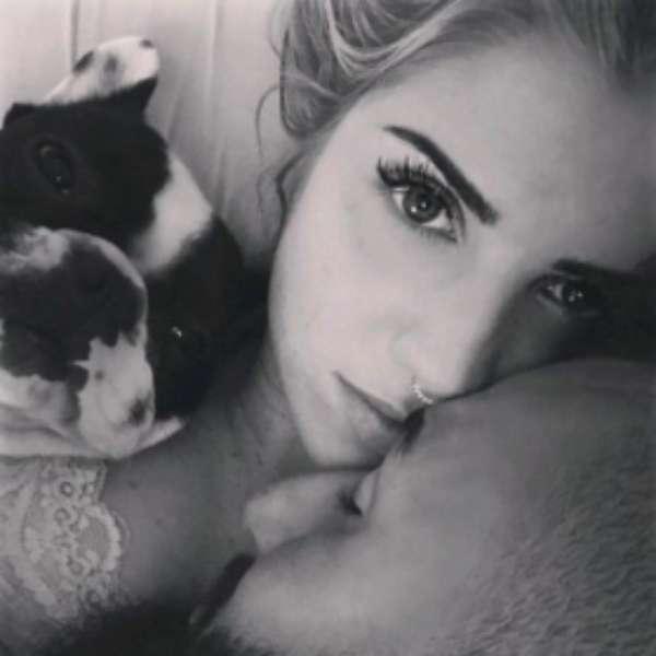 Esposa de muralha posta foto rom ntica nas redes sociais for Alex muralha e esposa