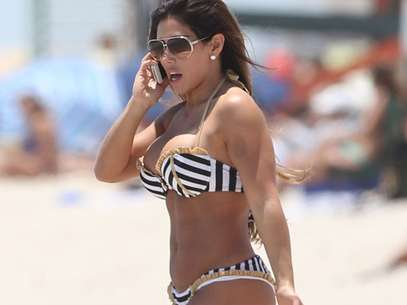 Paparazzi - Carmen Ortega en Miami. Foto: Photo AMC