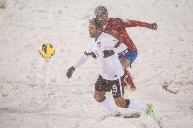 A big snowstorm affected the USA vs Costa Rica match. (Getty)