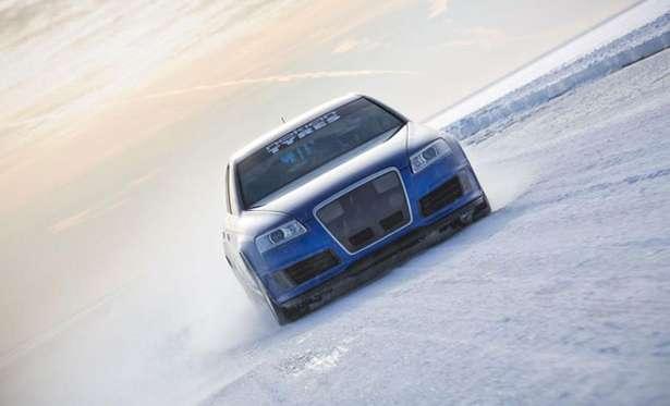 Nuevo récord de velocidad sobre hielo: 337,713 km/h