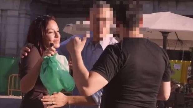 Vídeo flagra reação de homens ao encontrarem mulher bêbada sexo