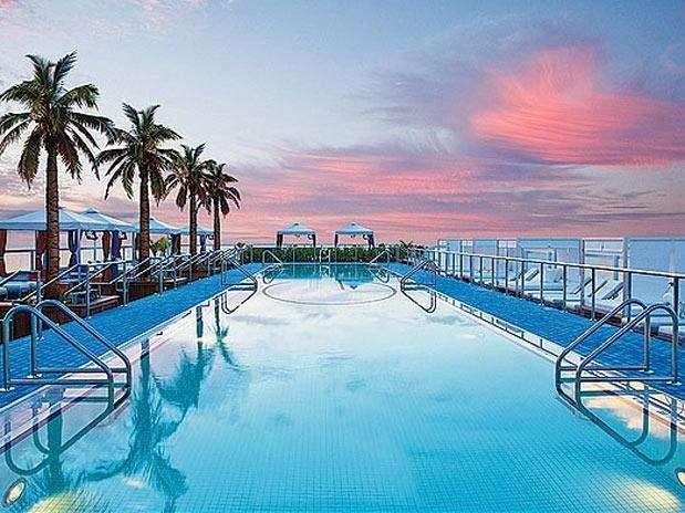 Altas profundas ou com bordas infinitas veja as melhores piscinas - Piscinas altas ...
