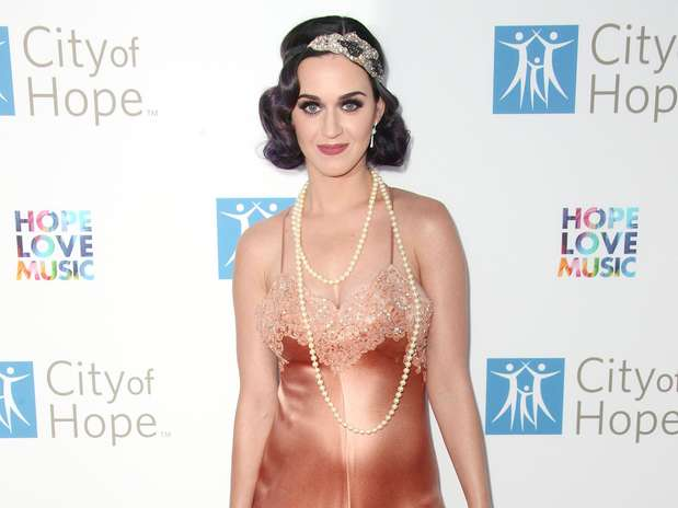 http://p2.trrsf.com/image/fget/cf/67/51/images.terra.com/2012/06/14/Katy_Perry_12061220120614044828.jpg