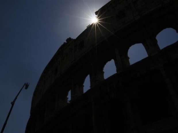 http://p2.trrsf.com/image/fget/cf/67/51/images.terra.com/2012/08/01/coliseo1.jpg