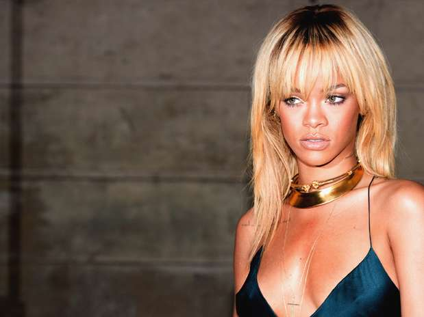 http://p2.trrsf.com/image/fget/cf/67/51/images.terra.com/2012/08/10/rihannaresaca.jpg