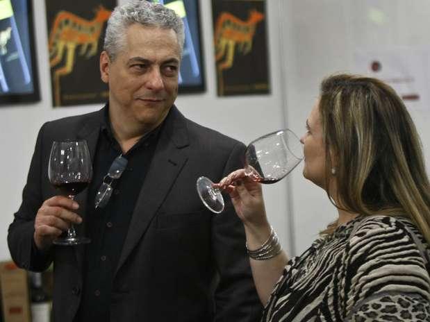 http://p2.trrsf.com/image/fget/cf/67/51/images.terra.com/2012/08/17/wineweekenddegustacao1.jpg