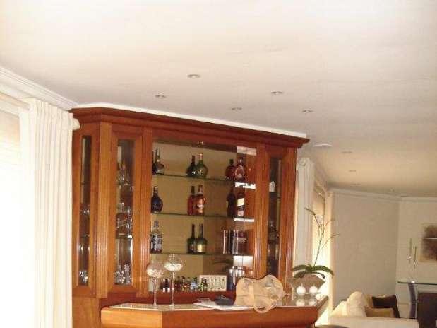 fotos de decoracao de interiores residenciais:Veja projetos de bar residencial para espaços pequenos