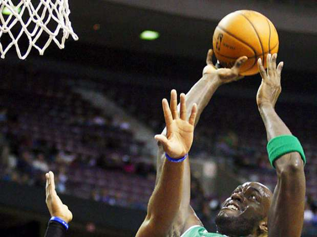http://p2.trrsf.com/image/fget/cf/67/51/images.terra.com/2012/11/19/celticspistons1.jpg