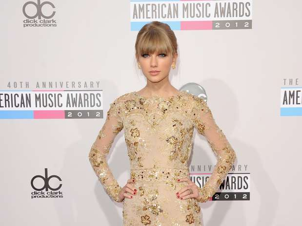 http://p2.trrsf.com/image/fget/cf/67/51/images.terra.com/2012/11/20/taylorswifte-1.jpg