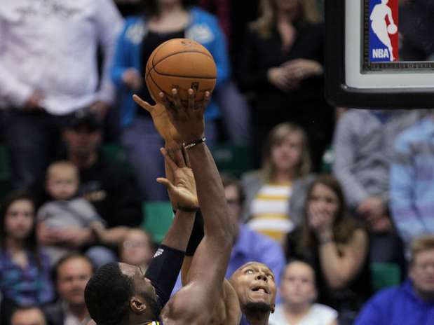 http://p2.trrsf.com/image/fget/cf/67/51/images.terra.com/2013/01/27/pacers-jazz-basketballope-1.jpg