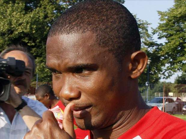 Samuel Eto'o no se corta en hablar de la Federaci&oacute;n de F&uacute;tbol de Camer&uacute;n. Foto: Agencia EFE / &copy; EFE 2013. Est&aacute; expresamente prohibida la redistribuci&oacute;n y la redifusi&oacute;n de todo o parte de los contenidos de los servicios de Efe, sin previo y expreso consentimiento de la Agencia EFE S.A.