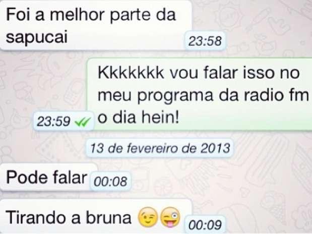 David Brazil mostra conversa com o amigo Neymar pelo celular; nas mensagens ele fala que a namorada foi a melhor parte da Sapucaí Foto: Instagram / Reprodução