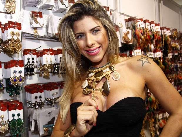 Ana Paula Minerato Nude Photos 15