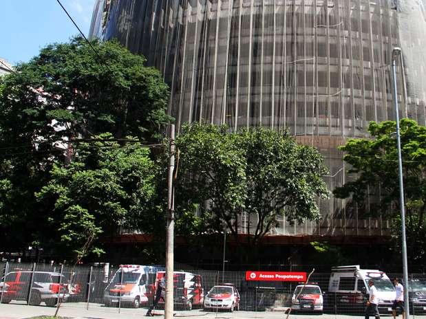 A ossada foi encontrada no estacionamento da Polícia Civil, na praça Alfredo Issa, no centro de São Paulo Foto: Elisa Rodrigues / Futura Press