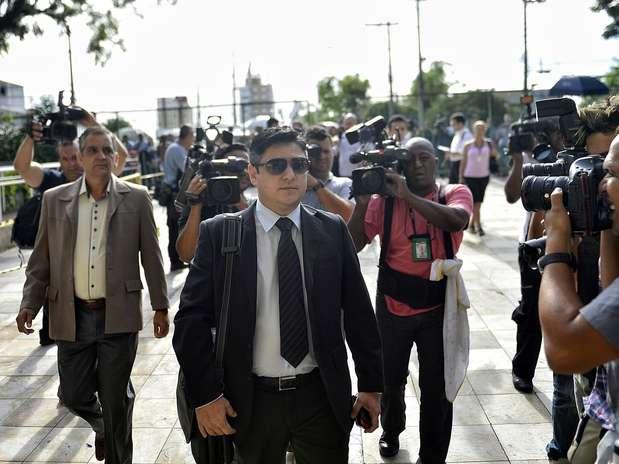 Márcio Nakashima, irmão de Mércia, chega para acompanhar o julgamento Foto: Fernando Borges / Terra