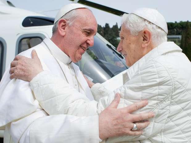 http://p2.trrsf.com/image/fget/cf/619/464/images.terra.com/2013/03/23/encuentro-francisco-benedicto-2.jpg