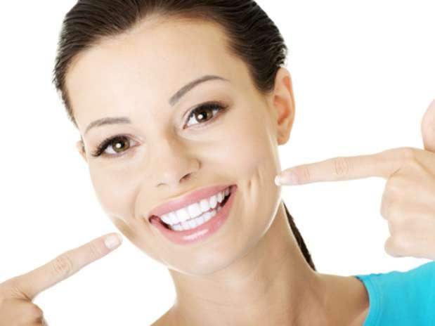 Здоровые зубы— красивая улыбка. Ультразвуковая чистка зубов за99 грн.или чистка Air-Flow за120 грн. встоматологической клин