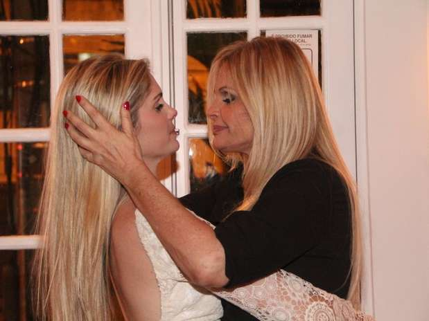 A modelo Bárbara Evans é filha de Monique Evans e contou que tem uma relação bem próxima com a mãe Foto: Rodrigo dos Anjos / AgNews