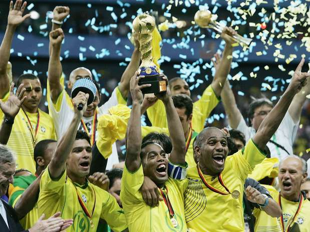 ◄معلومات تاريخية عن بطولة القارات ◄ 8brasil2005