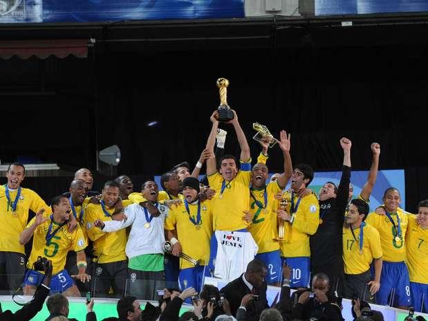 ◄معلومات تاريخية عن بطولة القارات ◄ 9brasil2009