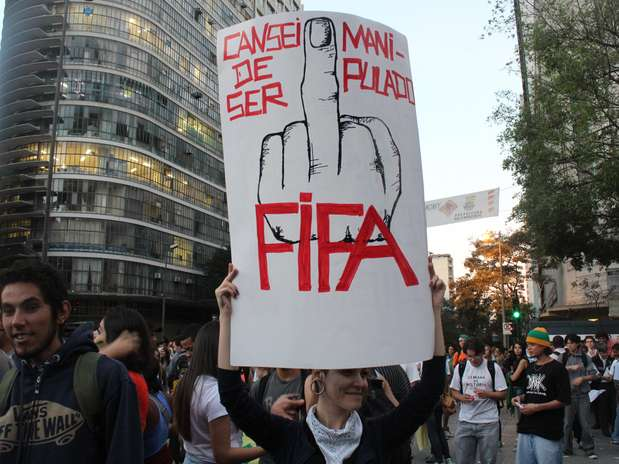 http://p2.trrsf.com/image/fget/cf/67/51/images.terra.com/2013/06/21/01belohorizonteprotesto2006dgarcia.JPG