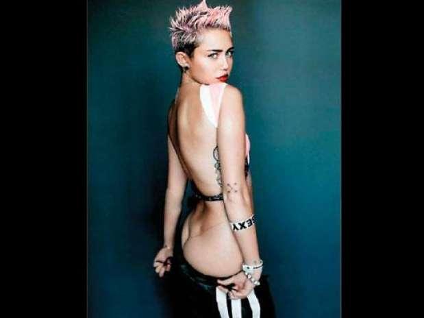Miley Cyrus falsifica fotos desnudas