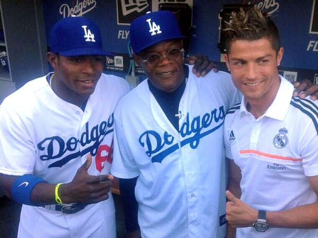 Ronaldos Dodgers visit: Juggling a baseball, practicing hitting, a girlie pitch & Samuel L. Jackson