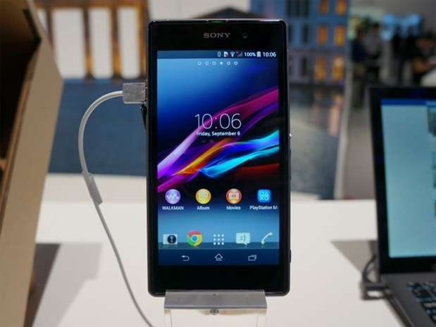 http://p2.trrsf.com/image/fget/cf/67/51/images.terra.com/2013/09/06/sony-xperia-z1-hands-on-ifa-henrique-martin-ztop.jpg