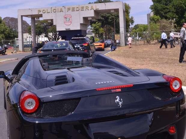 http://p2.trrsf.com/image/fget/cf/67/51/images.terra.com/2013/09/19/apreensaoferrarilamborghinioperacaopfabr.jpg