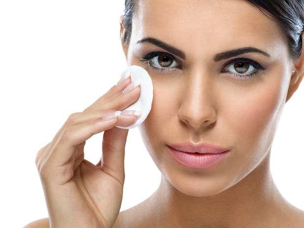 Чем очистить кожу перед макияжем