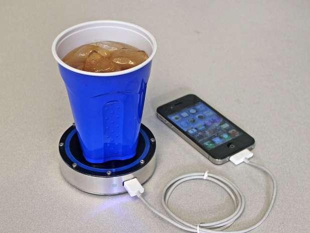 Aparelho funciona com líquidos quentes ou gelados, segundo criadores do gadget Foto: Divulgação