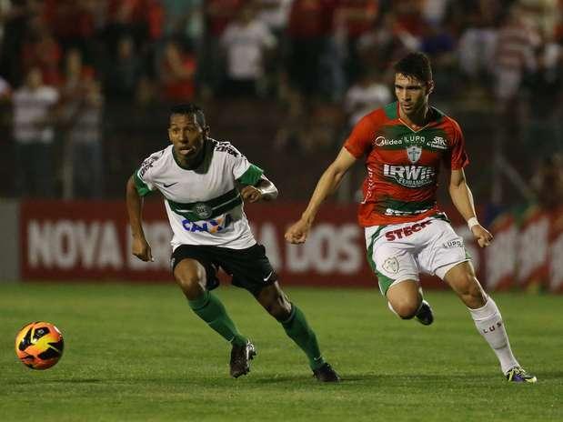 """Por """"fofoca"""",Vitor Junior se envolveu em troca de socos com Kleber e acabou repassado ao Coritiba Foto: Marcos Bezerra / Futura Press"""