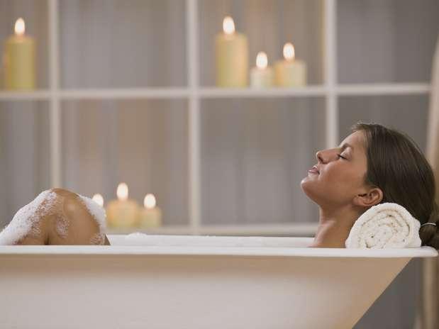 Quando podem ficar sozinhas, 44% das mulheres ficam na cama, enquanto 37% desfrutam do tempo no banheiro Foto: Getty Images