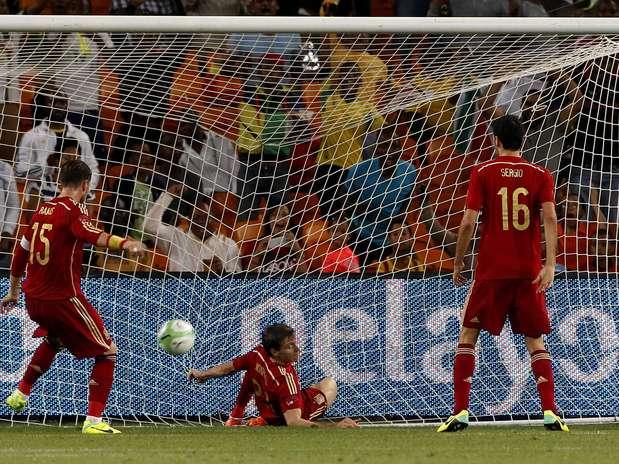 África do Sul surpreende atuais campeões mundiais no Soccer City Foto: Reuters