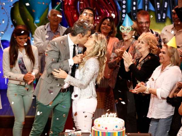 Com meses de antecedência, Vídeo Show comemora aniversário de Flávia Alessandra Foto: TV Globo / Divulgação