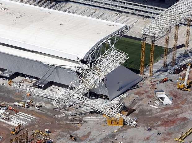 Vista aérea da Arena Corinthians, em São Paulo, onde um guindaste desabou na quarta-feira e matou dois operários Foto: Paulo Whitaker / Reuters
